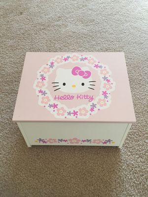 Hello kitty footstool for Sale in Saugus, MA