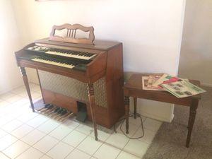 Vintage Organ for Sale in Menifee, CA