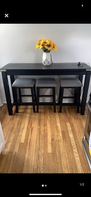 Barstool Table for Sale in The Bronx, NY