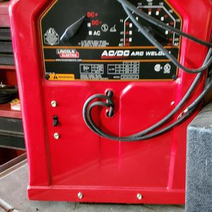 Brand New AC/DC Lincoln Electric Arc Welder for Sale in Pompano Beach, FL