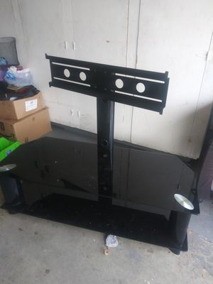 Glass flat screen tv holder with 2 shelvs for Sale in Cosmopolis, WA