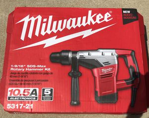 """Milwaukee rotary hammer corded 1-9/16"""" for Sale in Lemont, IL"""