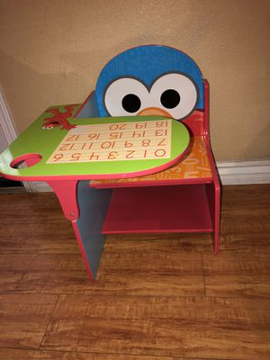Elmo desk for Sale in Westminster, CA