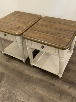 2 New Havertys Side Coffee Tables Collection for Sale in Hialeah,  FL