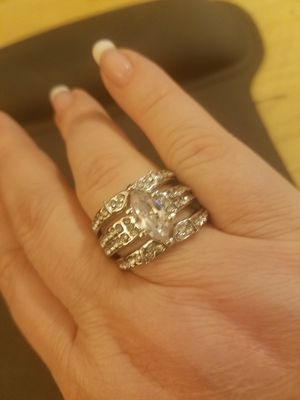 Size 11 Sterling Silver 3 Piece Wedding Set for Sale in Knoxville, TN
