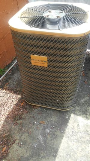 2 1/2 ton ac unit and airhandler for Sale in Miami Gardens, FL