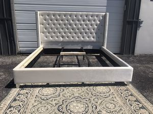 New KING size ivory platform bed frame with tufted wingback headboard for Sale in Upper Arlington, OH