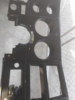 73-87 c10 cluster cover for Sale in Fresno, CA