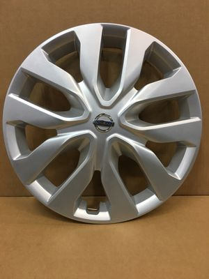 "(1) NISSAN ROGUE HUBCAP 17"" Original Factory 2014-2018 OEM Genuine WHEEL COVER tapa de goma for Sale in Hialeah, FL"