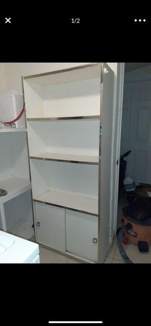 Free shelve for Sale in Miami, FL