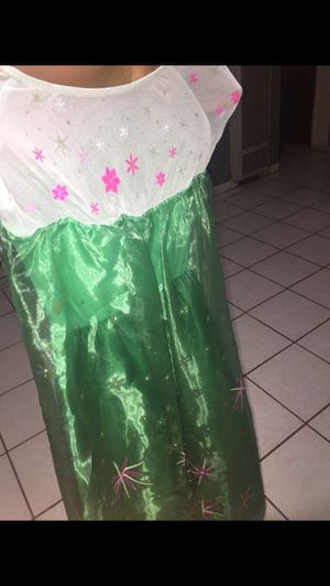 Disney princes Elsa and Anna costumes for Sale in Perris, CA