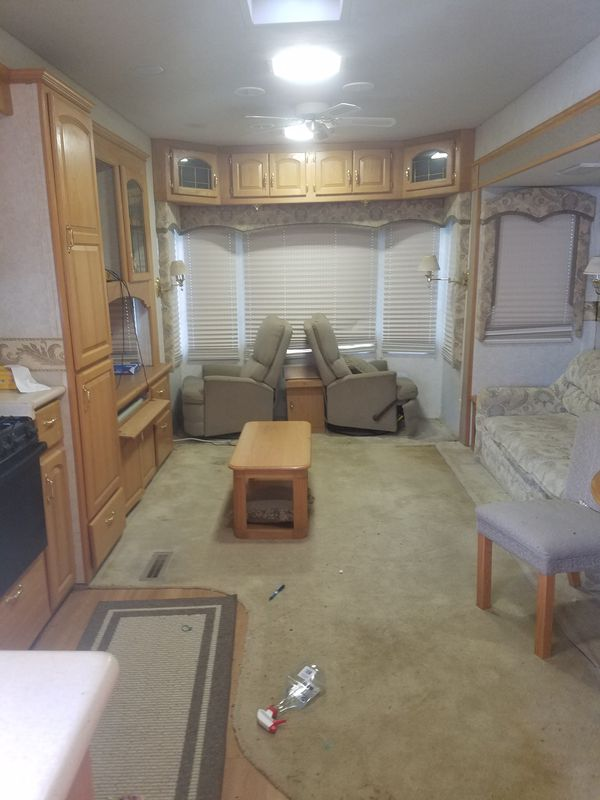 38' Ft. Expedition 5th Wheel Travel Trailer by Teton Homes