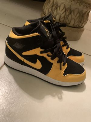 Kids Air Jordan 1s mid for Sale in Ocoee, FL