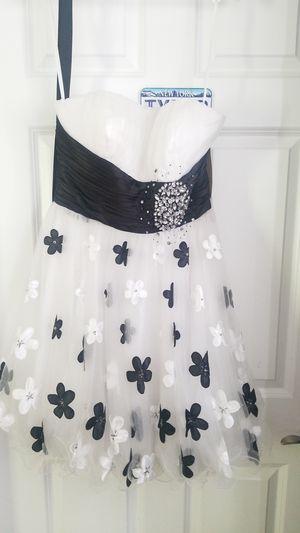 Dress for Sale in Grayson, GA