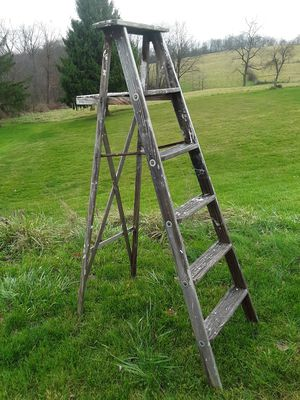 6' wooden ladder for Sale in Midland, PA