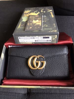 Gucci leather GG wallet for Sale in Irvine, CA