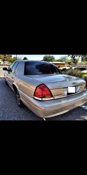 Reliable 2000 FORD crown victoria. 4.6L V8! Strong engine -  (Similar to town car grand Marquis LeSabre Impala) for Sale in Phoenix, AZ