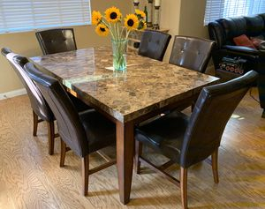 Excellent dining table and 6 chairs! for Sale in Las Vegas, NV