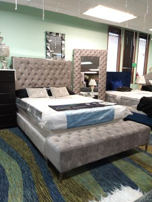 Bed frame and mattress for Sale in Everett, WA