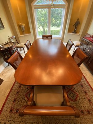 Whole dining room table set for Sale in Davie, FL
