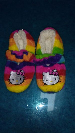 SZ 6/7- hello Kitty slippers for Sale in Little Chute, WI