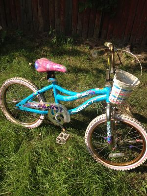 Girls bike (kids) for Sale in Detroit, MI