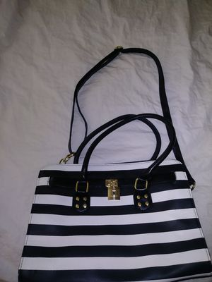 Brand new purse ...black and white.. for Sale in Norwalk, CA