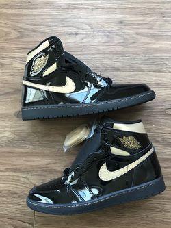 Men's Jordan 1 High Black Metallic Gold Size 9.5 New With Box for Sale in Mebane,  NC
