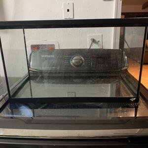 Three 10 gallon fish tank with lid for Sale in Miami, FL