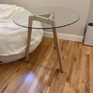 "Glass 36"" Dining Table (perfect For Breakfast Nook) for Sale in Denver, CO"
