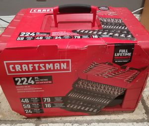 CRAFTSMAN 224-Piece Standard (SAE) and Metric Polished Chrome Mechanic's Tool Set for Sale in Los Angeles, CA
