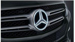 Illuminated Mercedes Star, Trim Part - Mercedes-Benz (166-817-74-00) 2018-2019 Mercedes-Benz (16681 for Sale in Las Vegas, NV