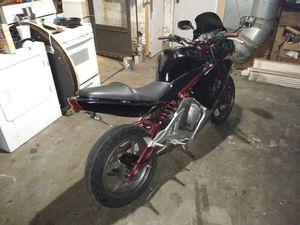 A 2006 Kawasaki Ninja 650 for Sale in Modesto, CA