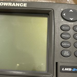 LOWRANCE BOATING GPS MAPS FISH FINDER for Sale in Trumbull, CT