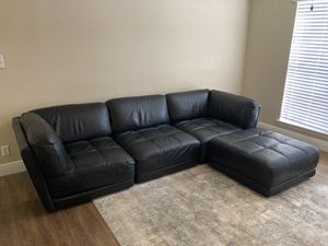 Chateau D'ax Black Leather Sectional for Sale in Pompano Beach, FL