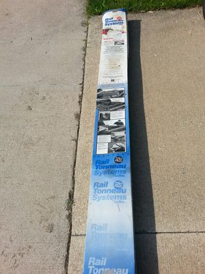 Tonneau Truck Bed Cover Make Reasonable offer for Sale in Quincy, IL