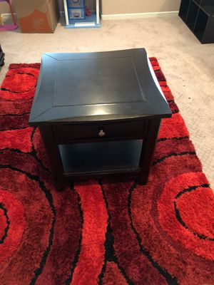 End table expresso for Sale in Calimesa, CA