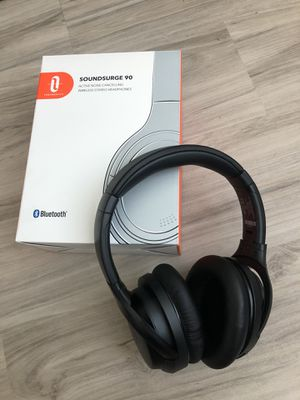 Bluetooth wireless noise cancelling headphones for Sale in Tampa, FL