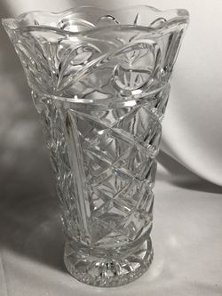 Beautiful large crystal vase for Sale in Chino,  CA