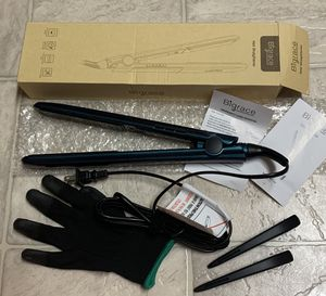 Hair Straightener Ceramic, 11 Adjustable Temp (265 °F to 450 °F). LCD, Chameleon, Incl 1Glove, 2 Hair Clips. for Sale in El Cajon, CA