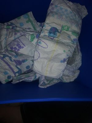 Size 4 diapers for Sale in Las Vegas, NV