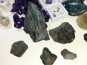 Zambian rough emerald pieces for Sale in Tucson, AZ