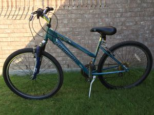 Schwinn Traverse Women inspired bike. In very good condition. ready to ride. for Sale in Grapevine, TX