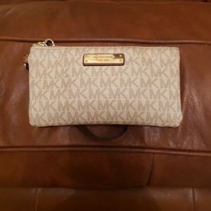 Michael Kors Small Handbag for Sale in Riverview, FL