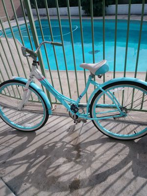 Beach cruiser bike schwinn for Sale in Santa Ana, CA