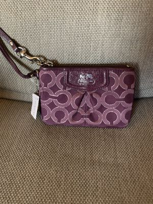COACH small wristlet for Sale in Pittsburgh, PA