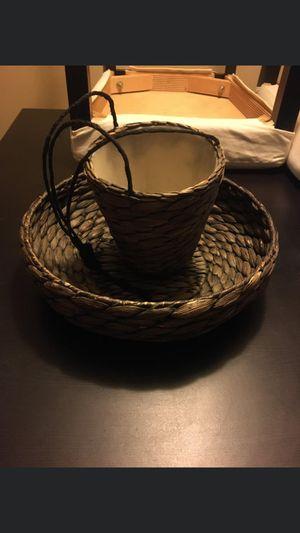 2 brown wicker baskets vintage /$15 for Sale in Los Angeles, CA