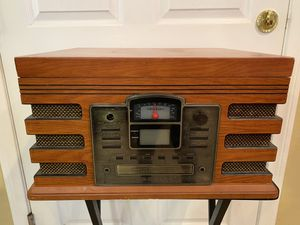 Old radio for Sale in San Fernando, CA