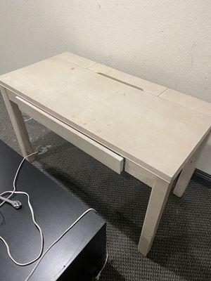 Desk for Sale in Moreno Valley, CA