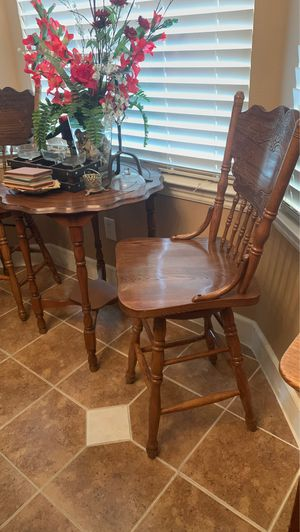 2 Bar stools Only for Sale in Fresno, CA